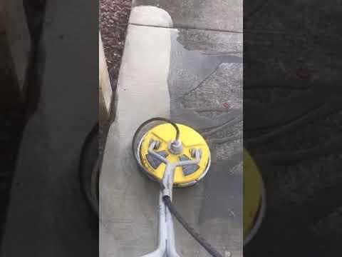 power scrubbing driveway clean